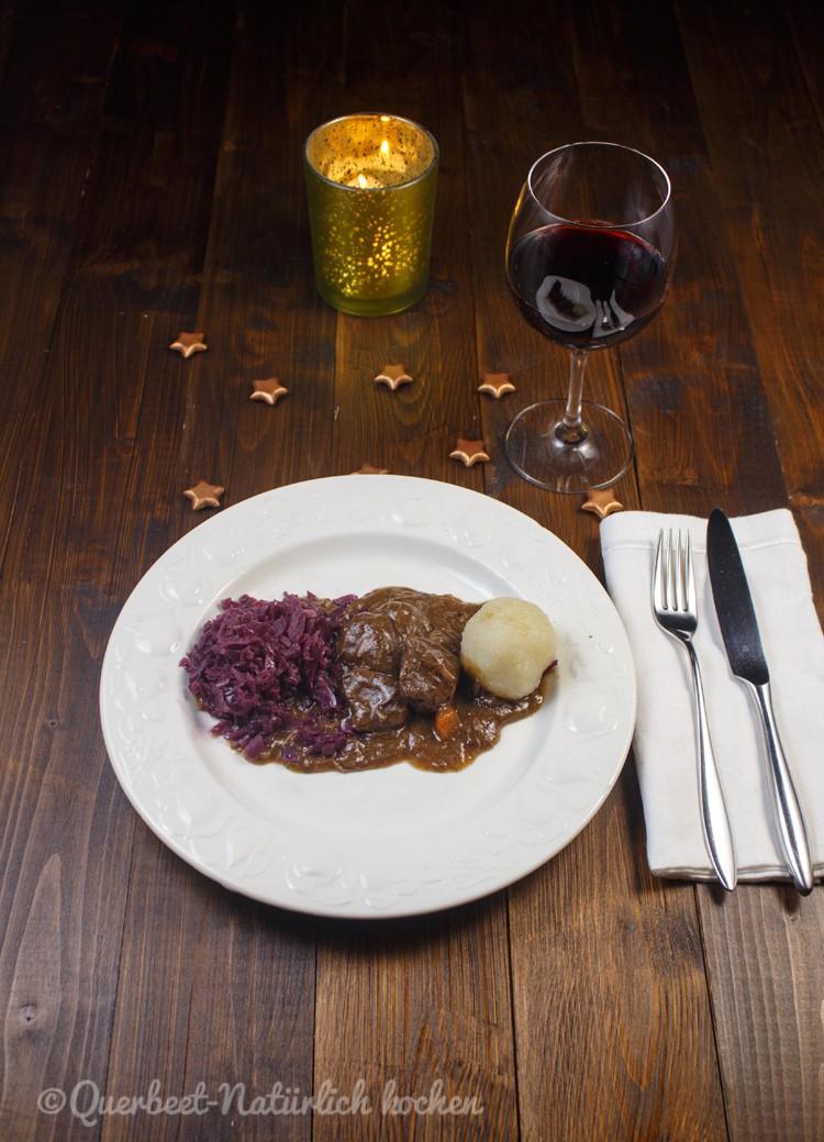 Hirschgulasch mit Rotkohl und Klößen 1.querbeetnatuerlichkochen